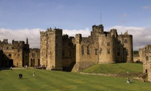 alnwick_castle, How Magnificent Estates Make Wonderful Novel Settings, roland colton, @rolandccolton